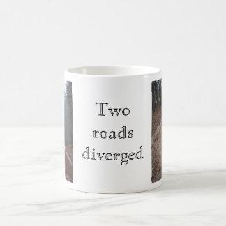 2本の道はそれました コーヒーマグカップ