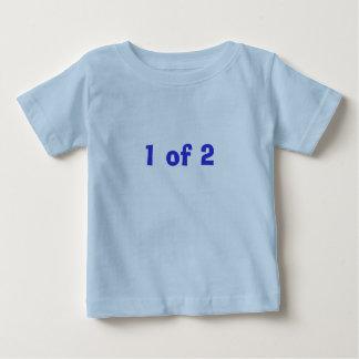 2男の子の1 ベビーTシャツ