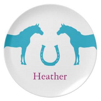2頭の子馬および蹄鉄 プレート