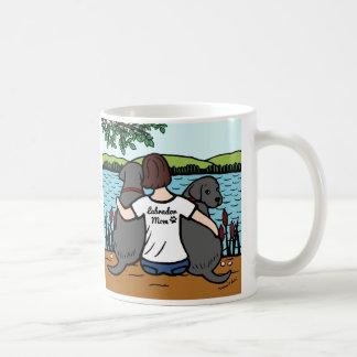 2黒いラブラドールおよびお母さん コーヒーマグカップ