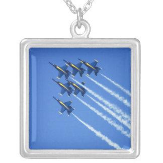 2006の艦隊週2の間のブルーエンジェルの低空飛行 シルバープレートネックレス