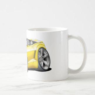 2012年のCamaroの黄色白のコンバーチブル コーヒーマグカップ
