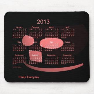 2013のスマイルのカレンダー マウスパッド