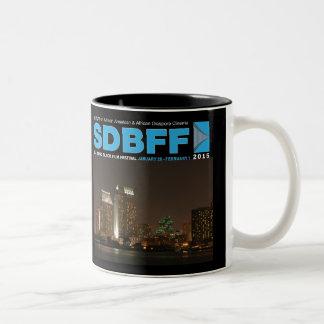 2015年のサンディエゴの黒い映画祭のマグ ツートーンマグカップ