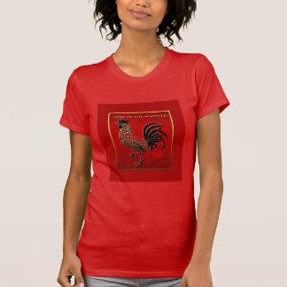 2017年のオンドリ年のエンボスによってエナメルを塗られる効果赤いT Tシャツ