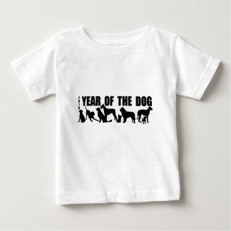 2018年間の犬のベビーのティーに生まれて下さい ベビーTシャツ