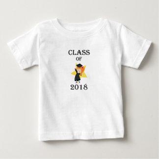 2018赤毛の女の子の式服式帽の星のクラス ベビーTシャツ