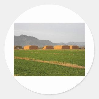 2384 -積み重なる干し草および使える状態で ラウンドシール