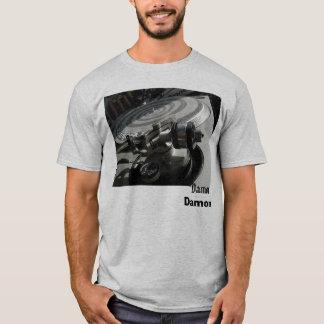 2895223-M、Damon、Damon Tシャツ