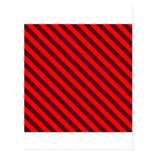 2 Red2赤い対角線のストライプおよび暗い深紅 ポストカード