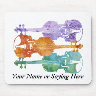3つのカラフルなバイオリン マウスパッド