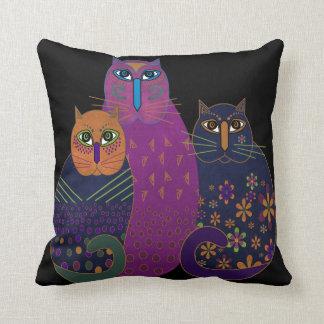 3つの友達の猫ちゃんの枕 クッション