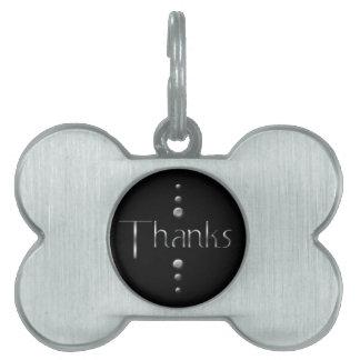 3つの点の銀製のブロックの感謝及び黒い背景 ペットネームタグ
