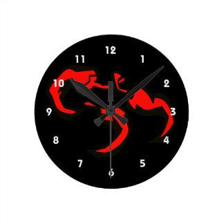 3つの赤の唐辛子の三角形 ラウンド壁時計
