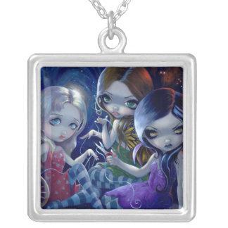 3つの運命のネックレスのゴシック様式妖精の女神 シルバープレートネックレス