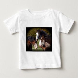 3つのclydesdaleの頭部 ベビーTシャツ