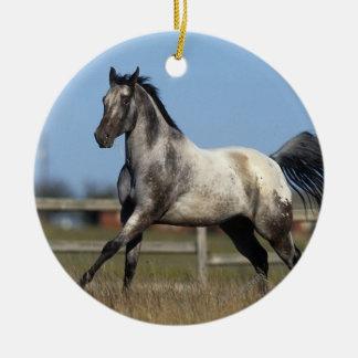 3つを走っているAppaloosaの馬 セラミックオーナメント