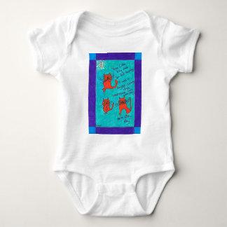 3小さい子猫のKatsの乳児のクリーパー ベビーボディスーツ