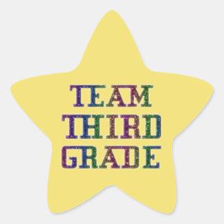3年生のチームノベルティの学校の黄色のステッカー 星シール