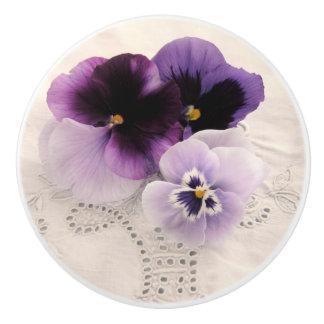 3本の紫色のパンジー セラミックノブ