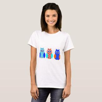 3羽のかわいいフクロウ Tシャツ