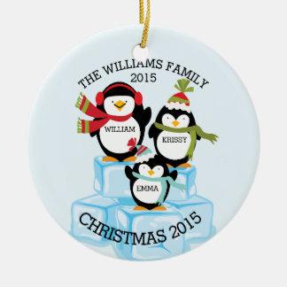 3羽のペンギンのクリスマスの名前入りな系列 セラミックオーナメント