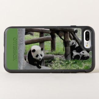3頭のベビーのパンダ オッターボックスシンメトリーiPhone 8 PLUS/7 PLUSケース
