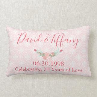 30年の結婚記念日のピンクの花柄 ランバークッション