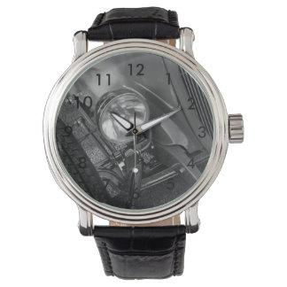 30年代のロードスターのグレースケール 腕時計