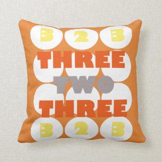 3 2 3枕 クッション
