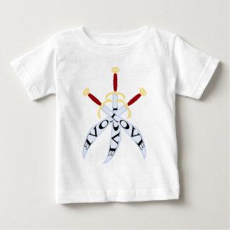 3 crossed_swordのプリントが付いているTシャツ ベビーTシャツ