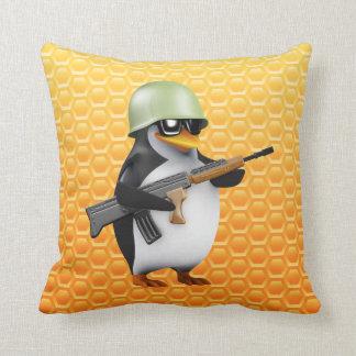 3dペンギンの兵士 クッション