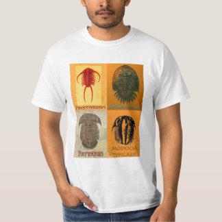 4つの化石のTrilobiteのモンタージュの契約のティー Tシャツ