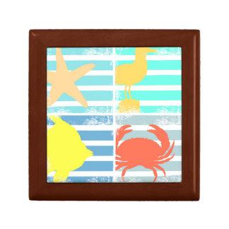 4つの海のデザインの正方形 ギフトボックス