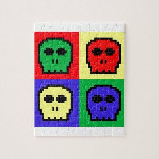 4つの色のレトロの8ビットスカル ジグソーパズル