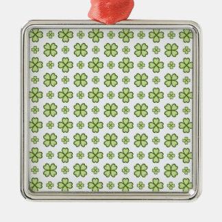 4つの葉のクローバーパターン メタルオーナメント