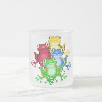 4個のカエルのTシャツおよびギフト フロストグラスマグカップ