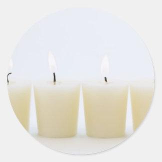 4本の蝋燭 丸形シール・ステッカー