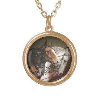 4頭の馬のヴィンテージの円形の金ゴールドの終わりのネックレス ゴールドプレートネックレス