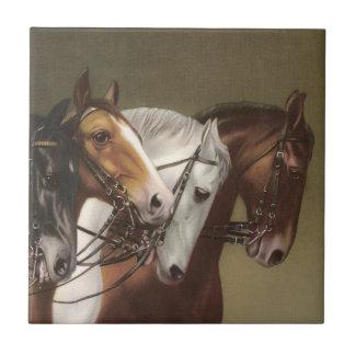 4頭の馬のヴィンテージの芸術の特徴のタイル タイル