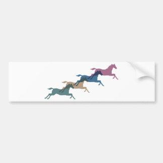 4頭の馬 バンパーステッカー