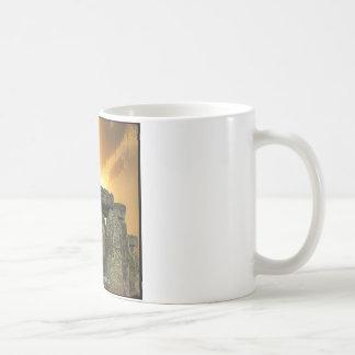 4biddenknowledge Stonehengeのマグ コーヒーマグカップ