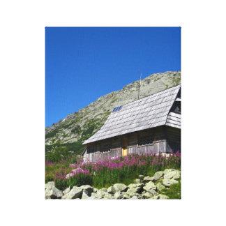 5つの池の谷の小屋、Tatrasのキャンバス キャンバスプリント