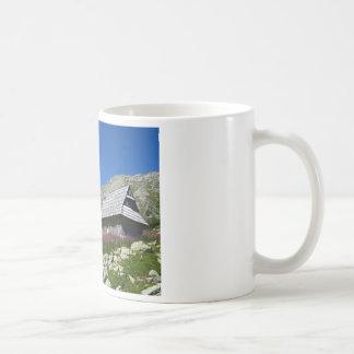 5つの池の谷の小屋、Tatrasのマグ コーヒーマグカップ