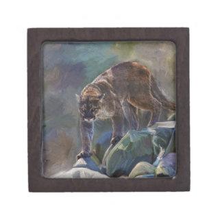 5つを絵を描いているクーガーのオオヤマネコの大きな猫 ギフトボックス