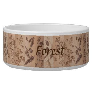 5本の木の素朴で初期のな森林