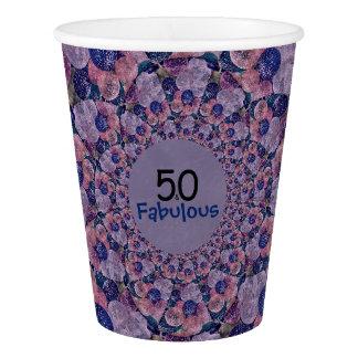 50およびすばらしい紫色は誕生日を風船のようにふくらませます 紙コップ