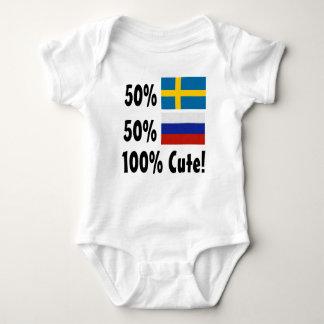 50%のスウェーデン人50%のロシア語かわいい100% ベビーボディスーツ