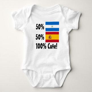 50%のニカラグア人50%のスペイン語かわいい100% ベビーボディスーツ