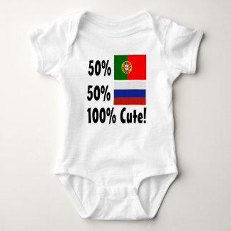 50%のポルトガル人50%のロシア語かわいい100% ベビーボディスーツ